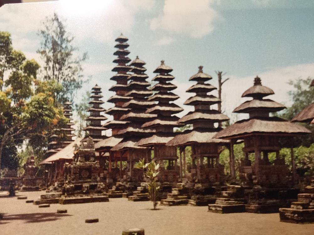 Tempel-Bali-old-times
