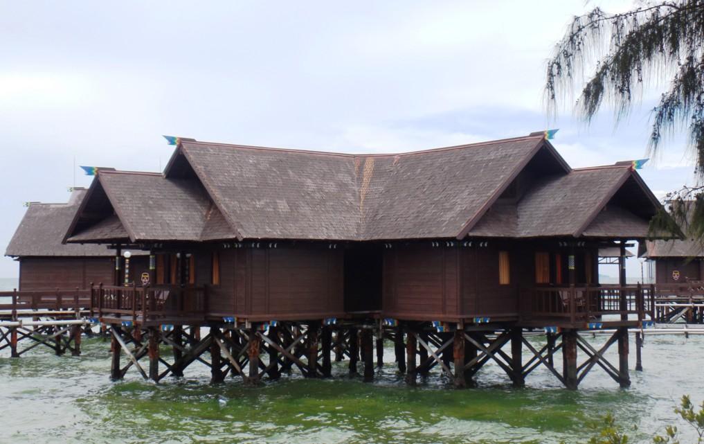 Die etwas andere Unterkunft: Floating Houses
