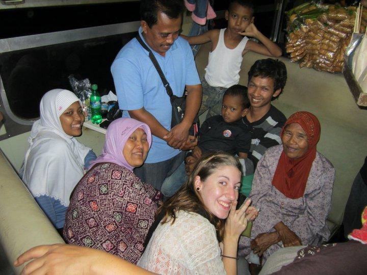 Zug-von-Jakarta-nach-yogyakarta