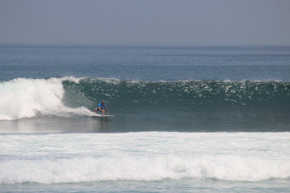 beste-reisezeit-bali-surfen