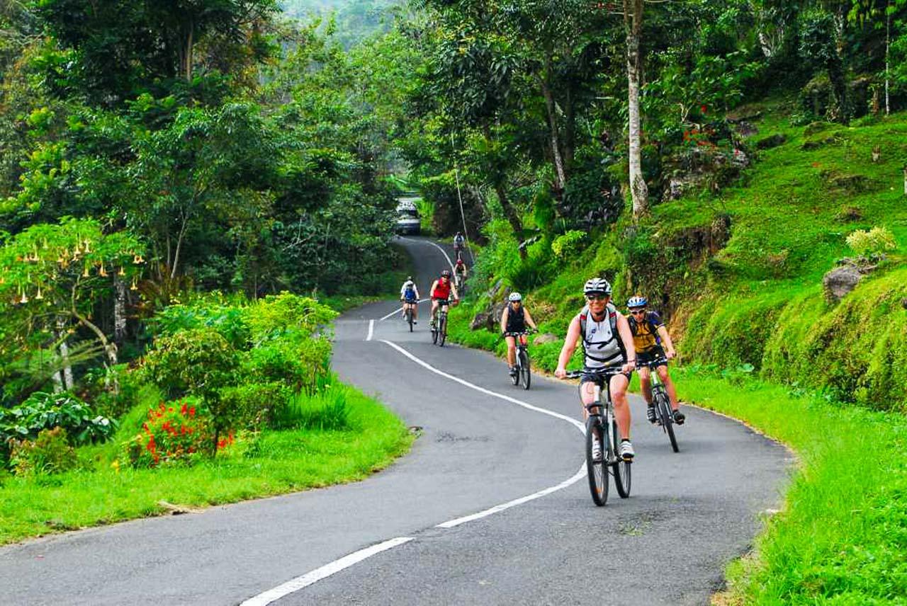 bike-tour-bali-ost-java-1