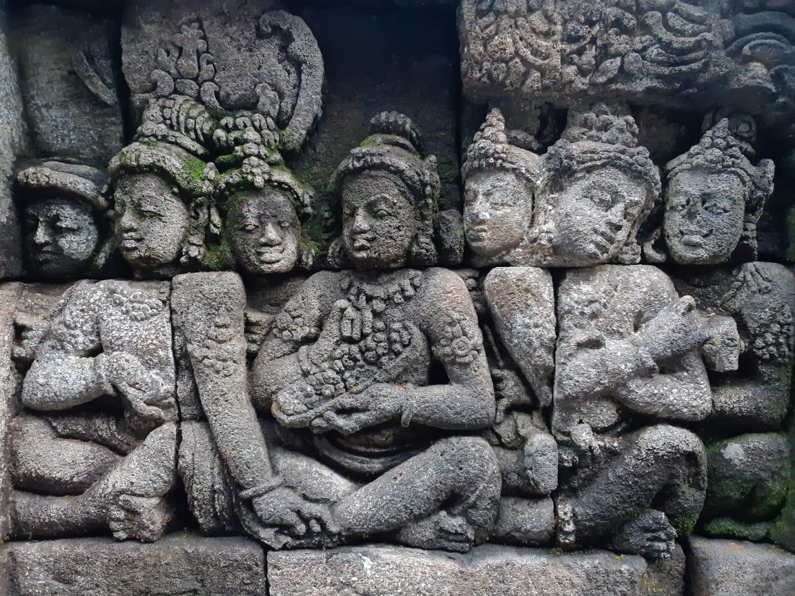 borobudur-tempel-java-11