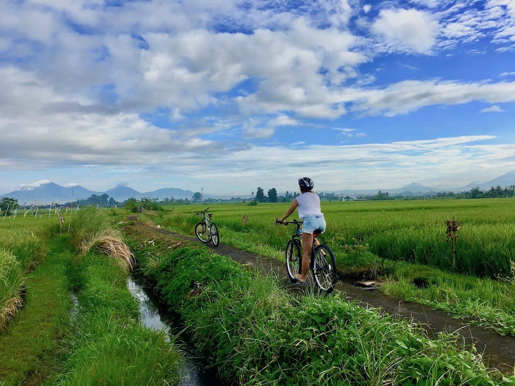 canggu-biking-bali-outdoor-biking-street
