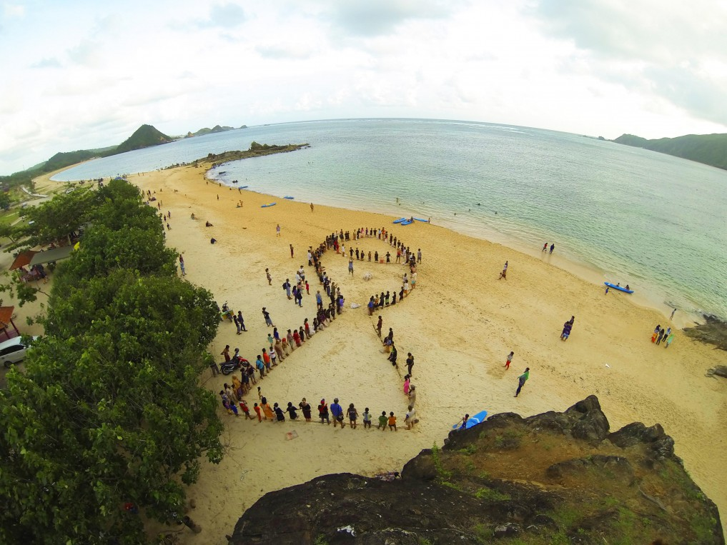 environmental awareness event, Lombok 2015 by Tomas Freudl