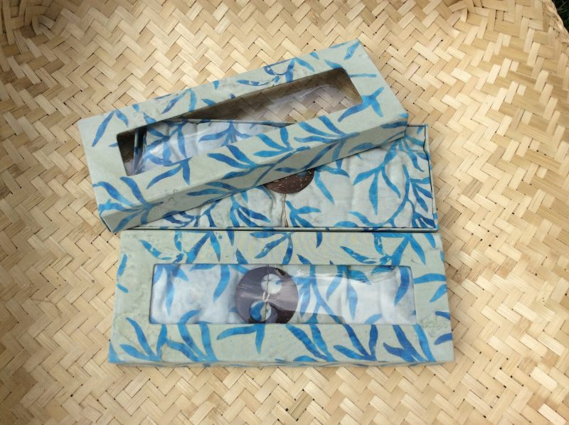 geschenkbox-sarong-indonesien-geschenke-bali-2