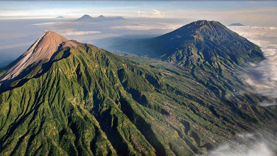 indonesien-urlaub-vulkane