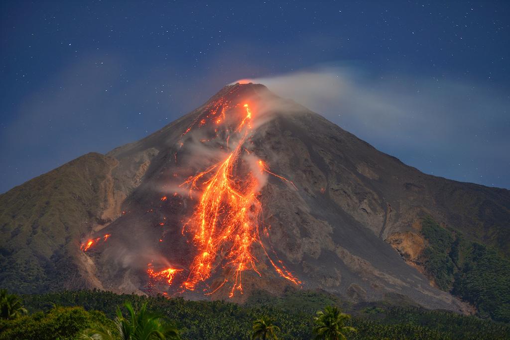 karangetang-vulkan-indonesien-siau-2