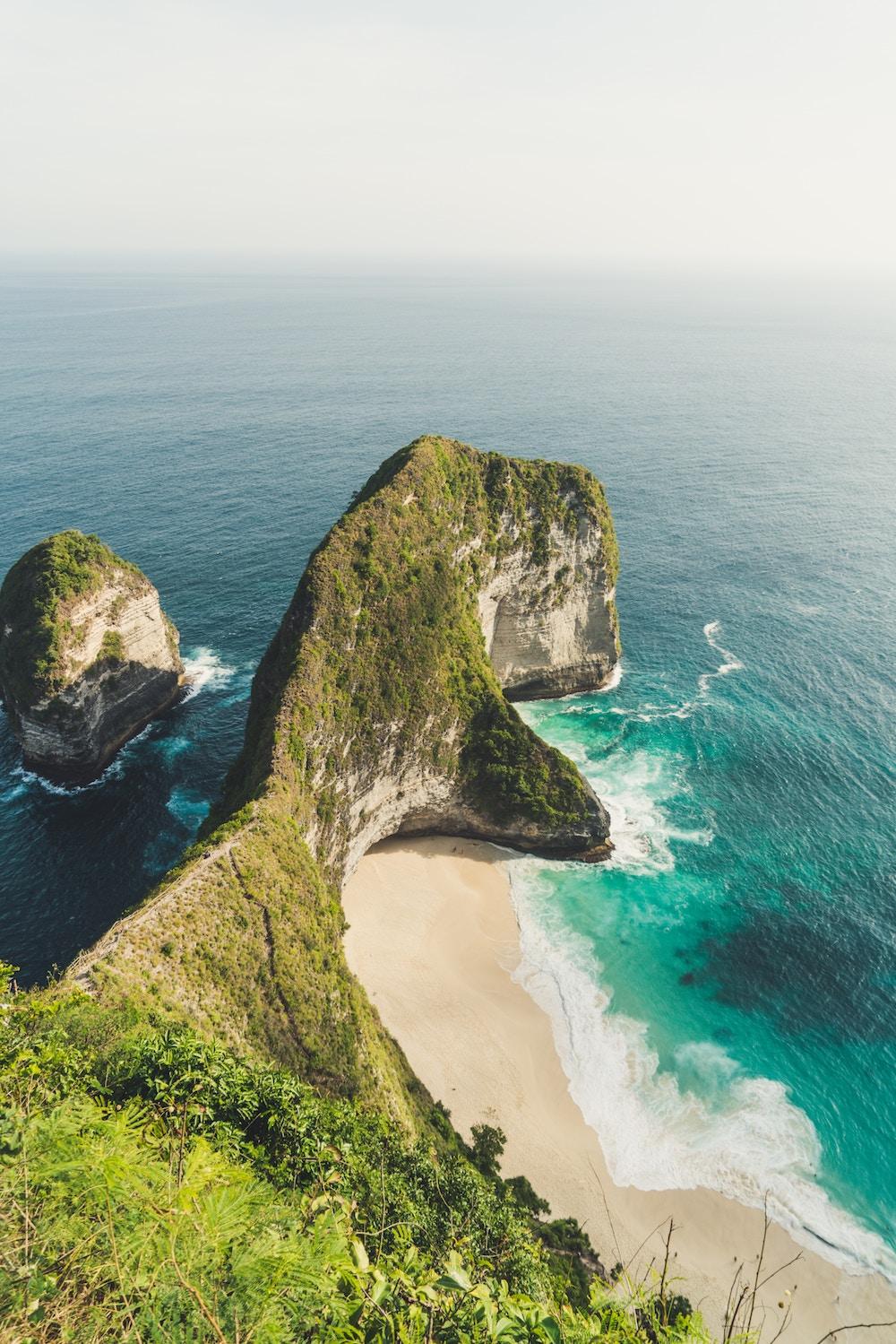 kelingking-beach-nusa-penida