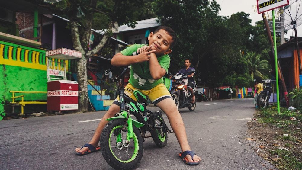 kids-indonesien-geschenke