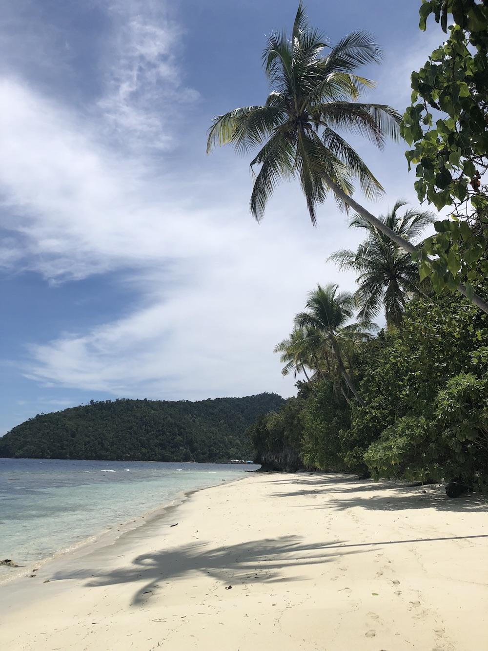 kri-island-beach