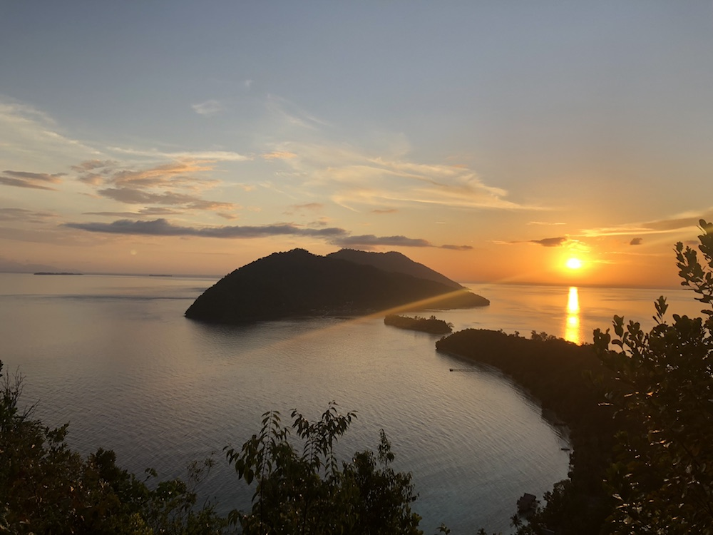 kri-island-sunsetspot