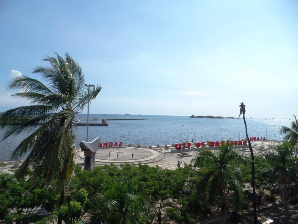 Über den Dächern von Makassar