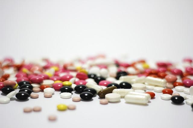 NIEMALS verschreibungspflichtige Medikamente an andere Personen weitergeben