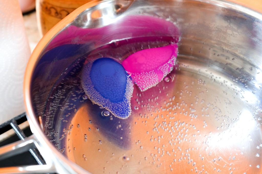 menstruationstasse-kochen-reinigen