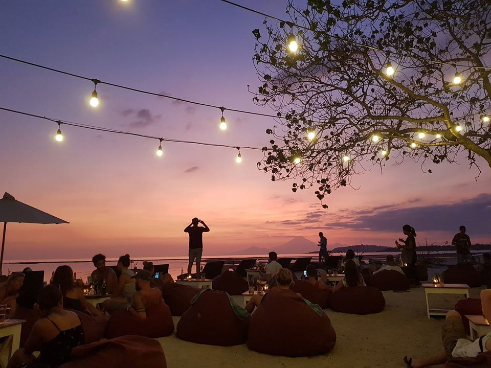 mowie-bar-gili-air