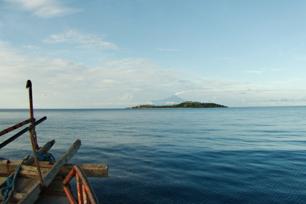 Übersetzen von Kahakitang nach Para - Sangihe. Gerade einmal war die See ruhig.