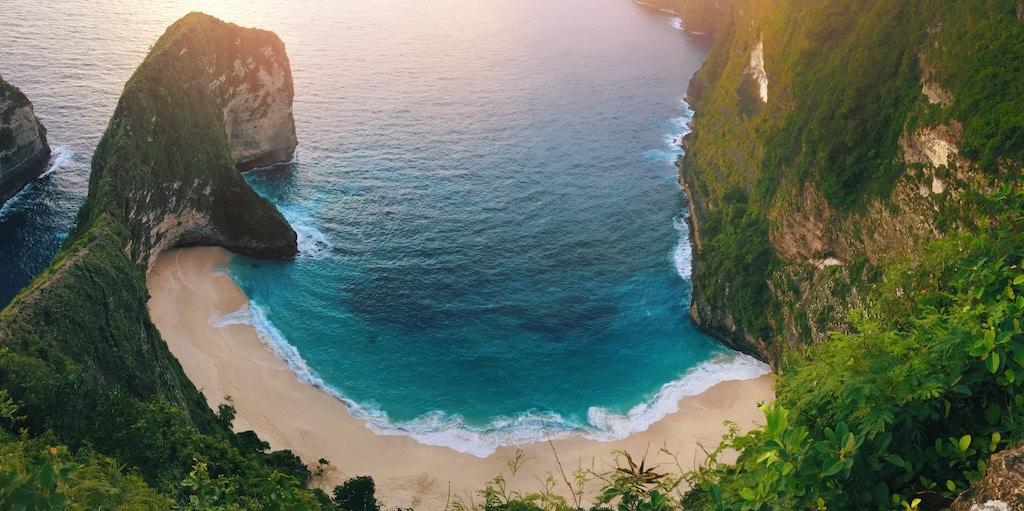 nusa-penida-kelingking-beach