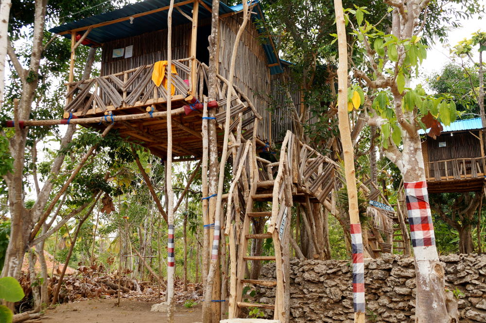 nyuh-bengkok-tree-house