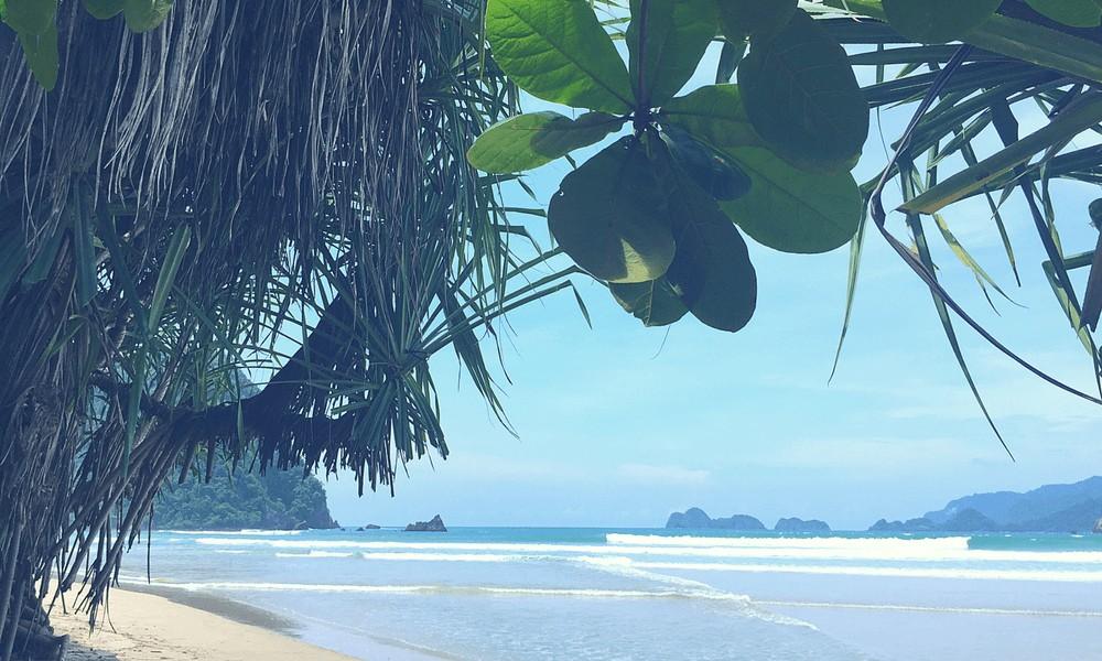 Ost-Java Reisetipps: Strand Red Island