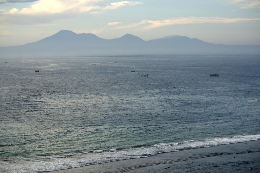 Blick auf ein sehr flaches Padang Padang. Foto: Barbara Nickl