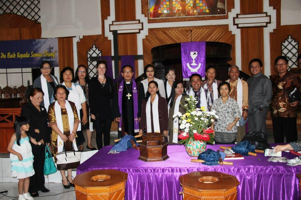 richtige-kleidung-indonesien-kirche