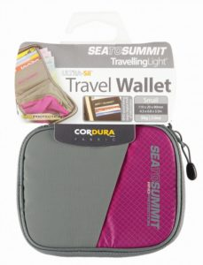 sea-to-summit-travel-wallet-rfid-small-berry-berry-30