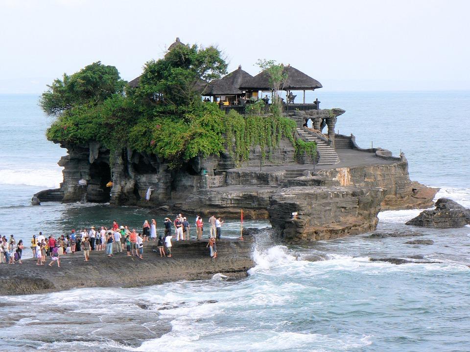 sehenswuerdigkeiten-bali-tanah-lot-tempel