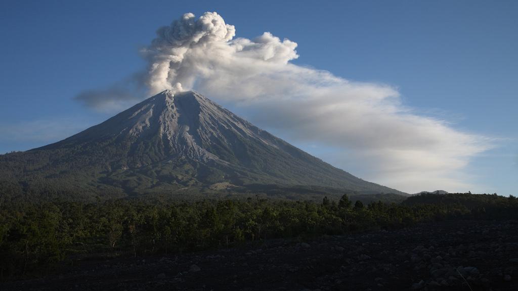 semeru-vulkan-indonesien-1