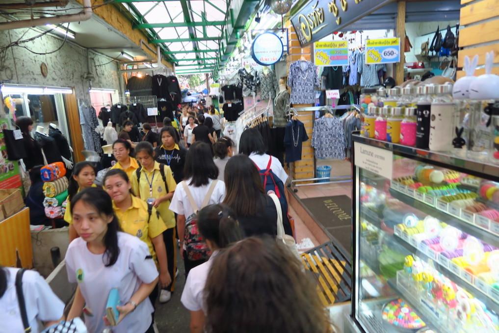 stopover-bangkok-markt_wanglang_211