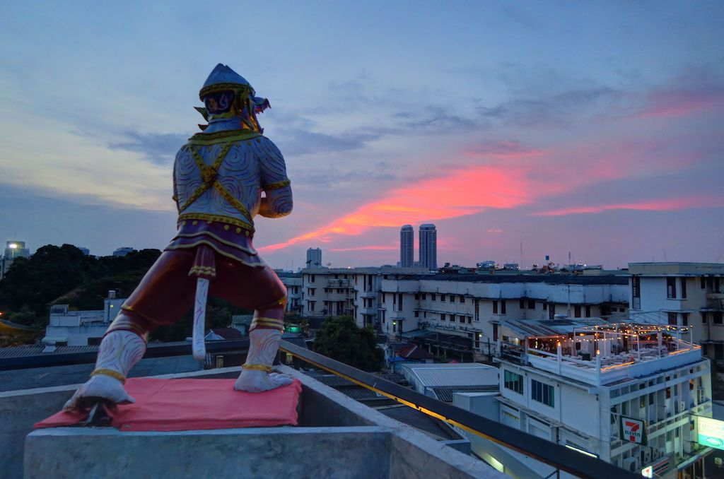 stopover-bangkok-rooftop_hanubar_04
