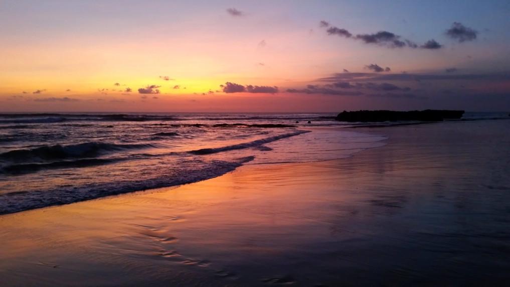 sunset-berawa-Elternzeit-Bali