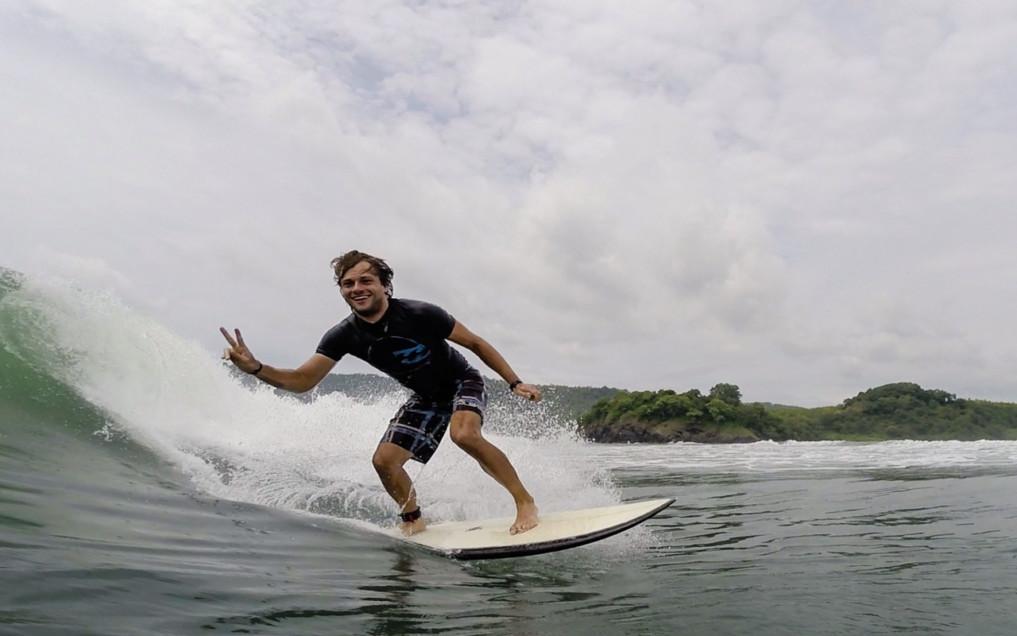 surf-trip-java-epische-kulisse