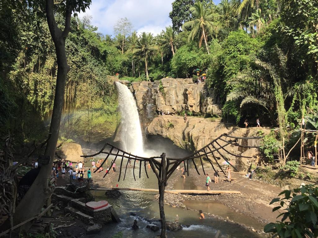 tegenungan-waterfall-bali-instagram