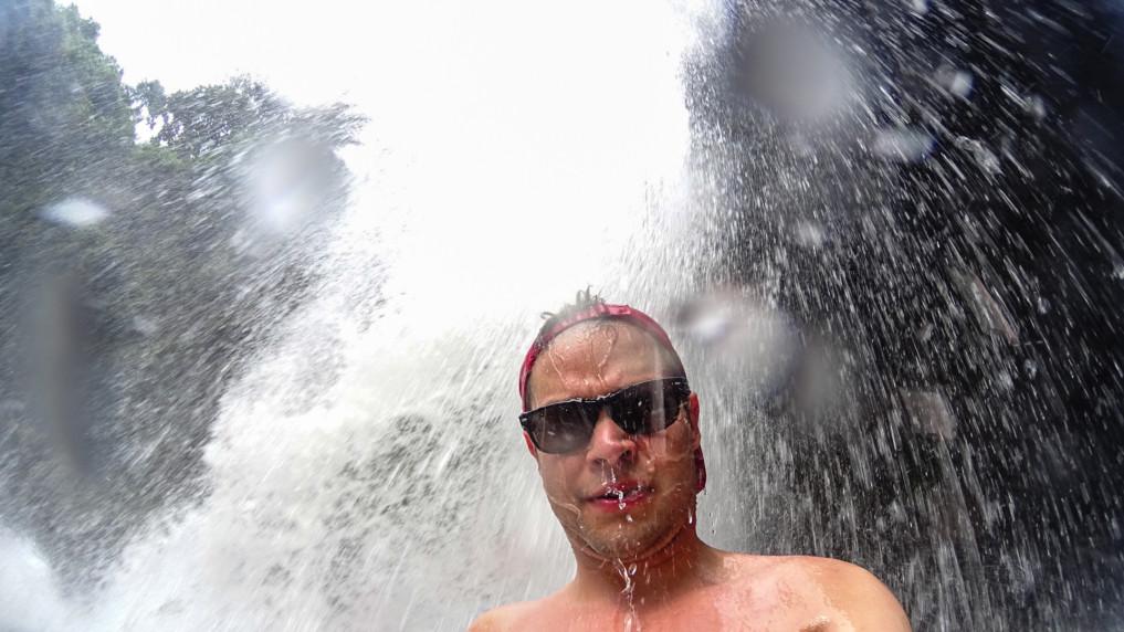 tegenungan-waterfall-selfie