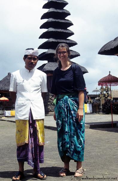 Ivana auf dem Tempelfest auf Bali, 1994