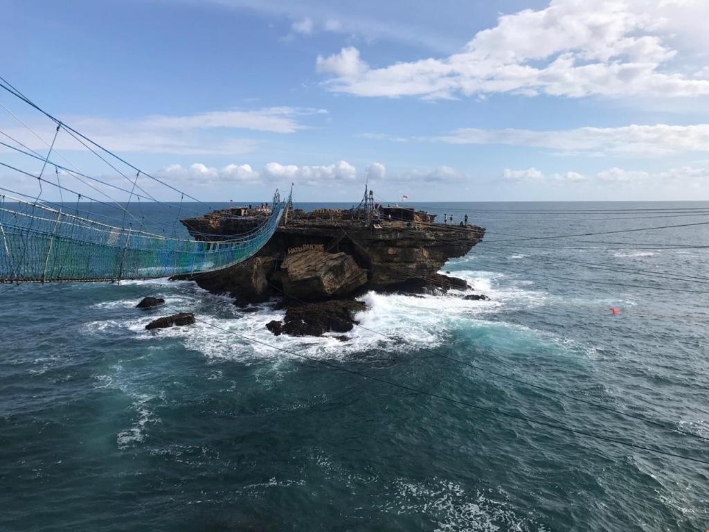 timang-beach-yogyakarta-straende