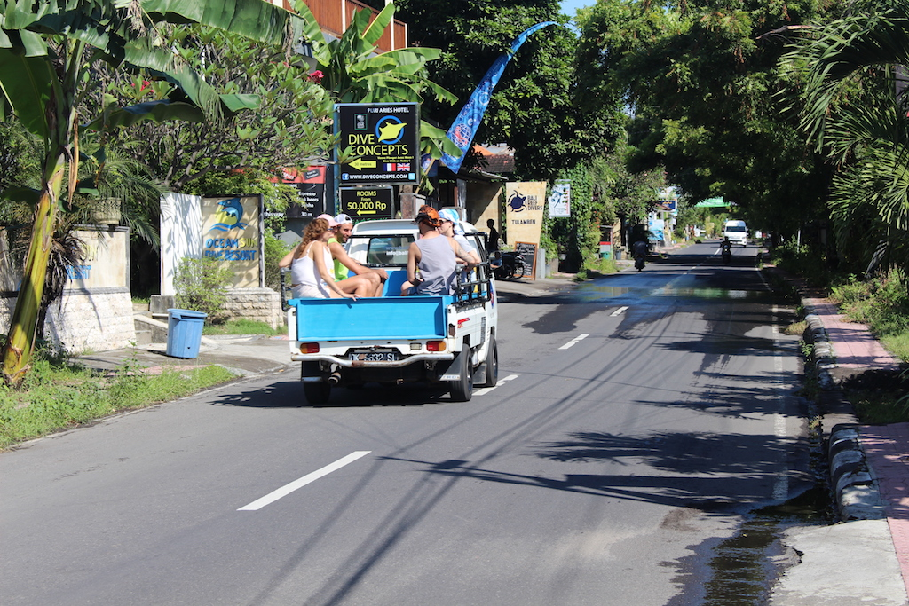 tulamben-main-road