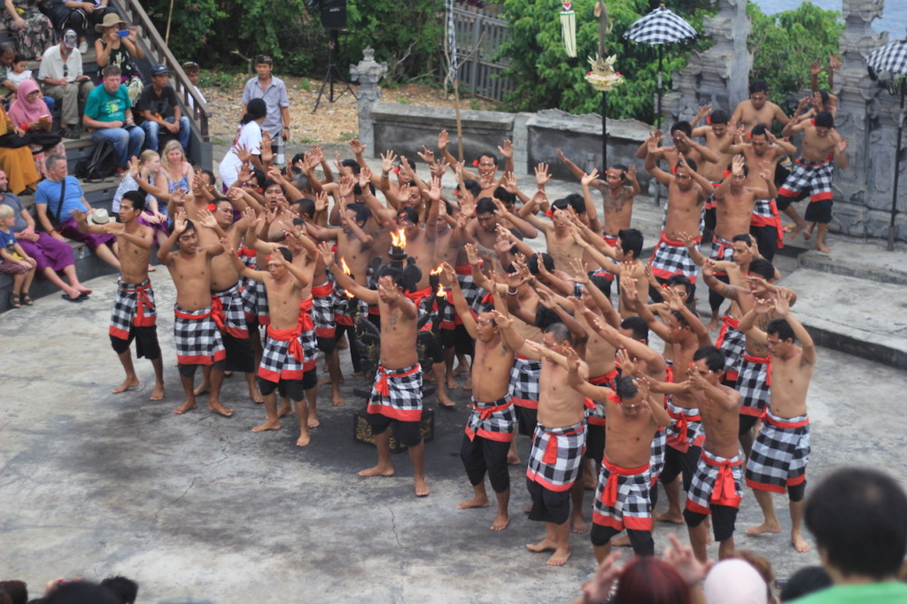 uluwatu-bali-kecak-dance-3