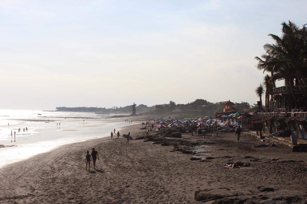 unterkunft-hostels-canggu-echo-beach-beach