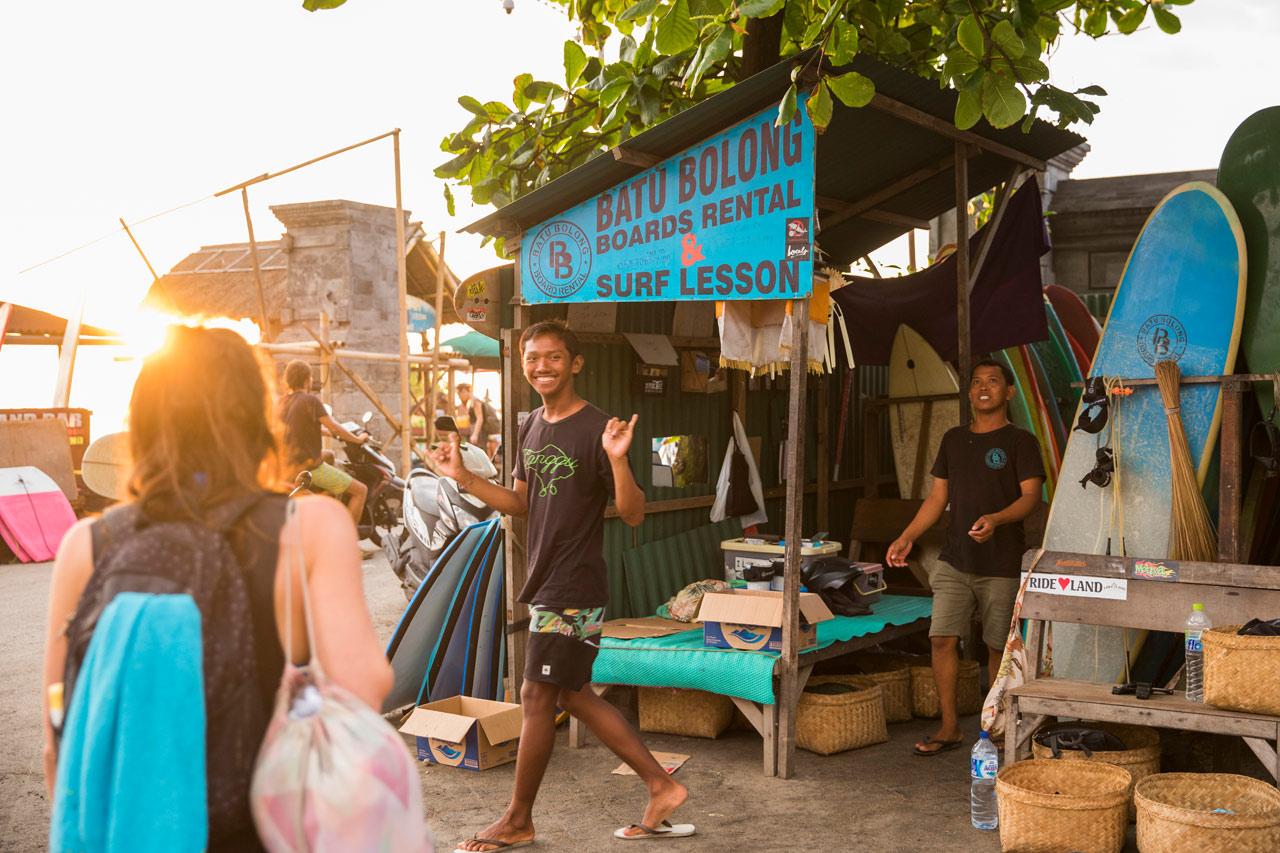 unterkunft-hotels-canggu-batu-bolong-surf