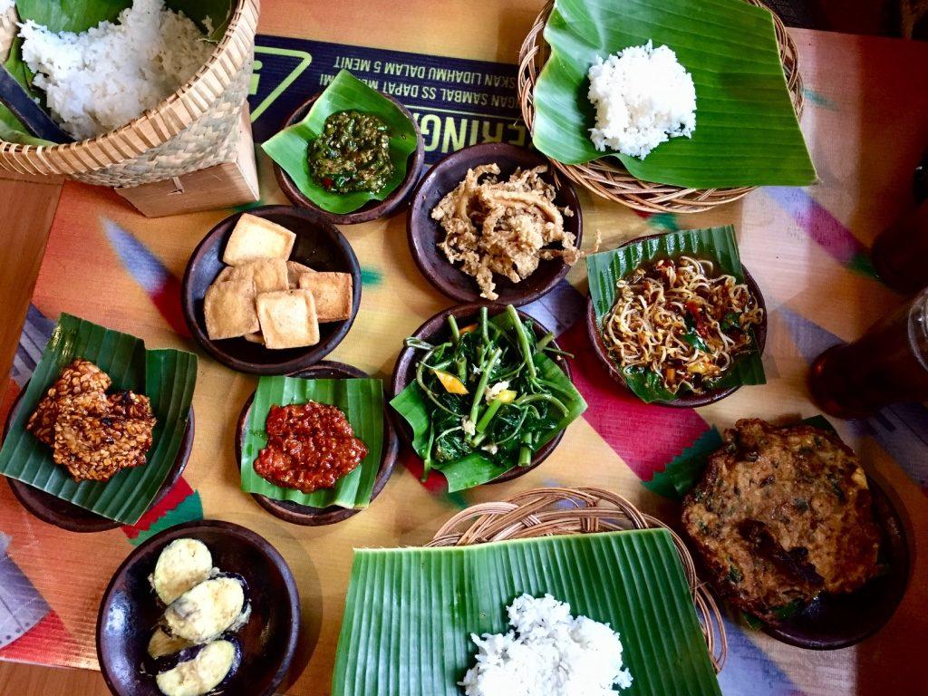 vegetarisch-indonesisch-nasi-rames