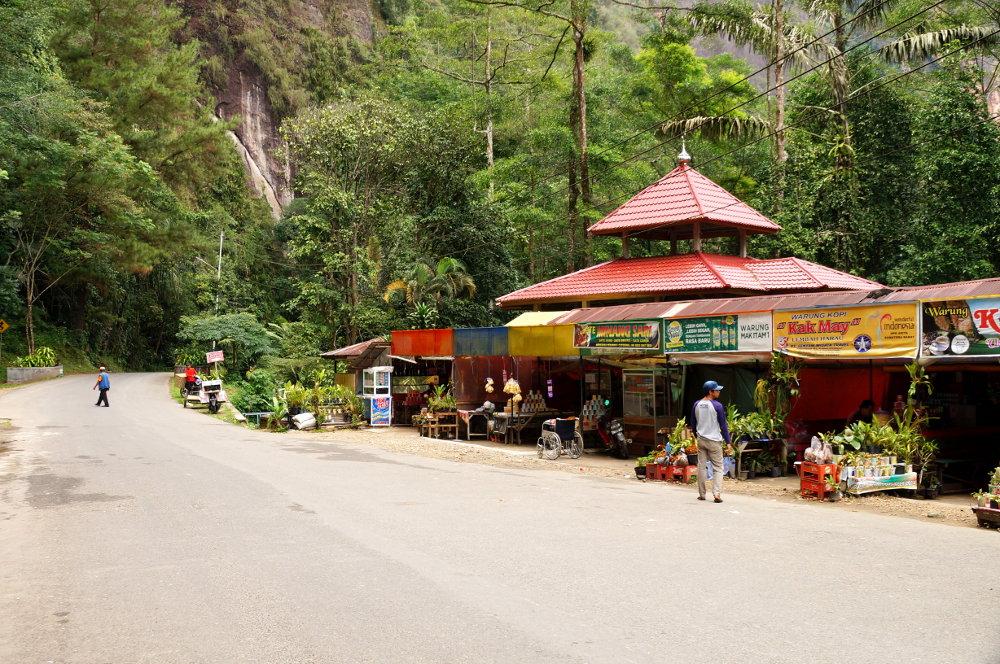 warung-strasse-harau-valley
