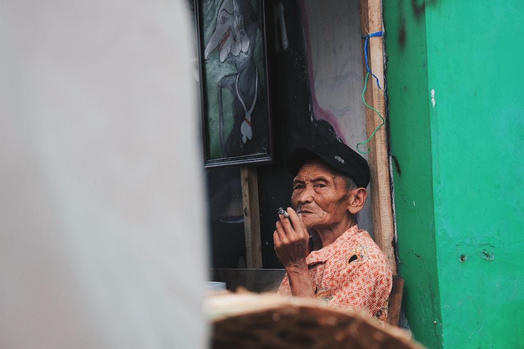 zigaretten-verschenken-indonesien